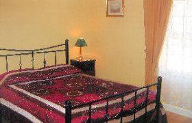 Photo of Walshes Townhouse Bed And Breakfast