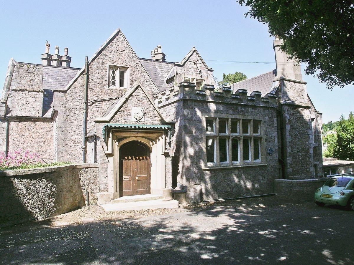 Photo of Woodfield Manor Apartment