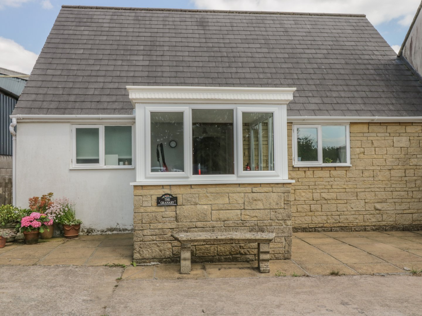 Self Catering The Granary In Shepton Mallet