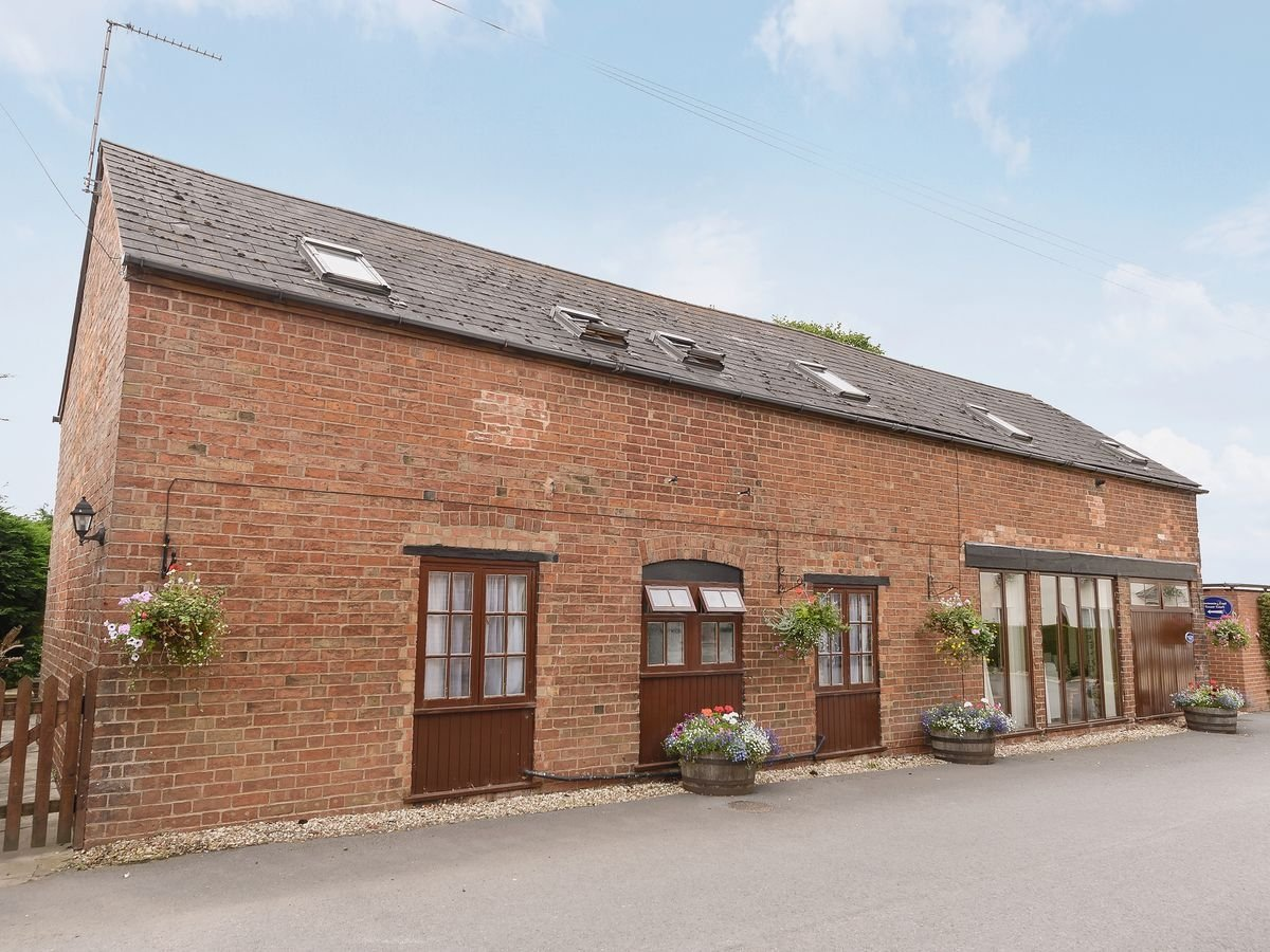 Photo of Hunting Butts Cottages - Walnut Tree House