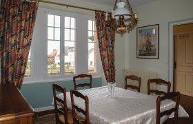 Photo of Holiday home Tredrez-Locquemeau