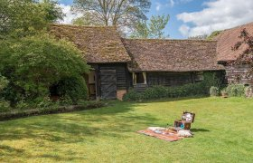 Super Self Catering Cottages Vacation Rentals Buckinghamshire Home Interior And Landscaping Palasignezvosmurscom