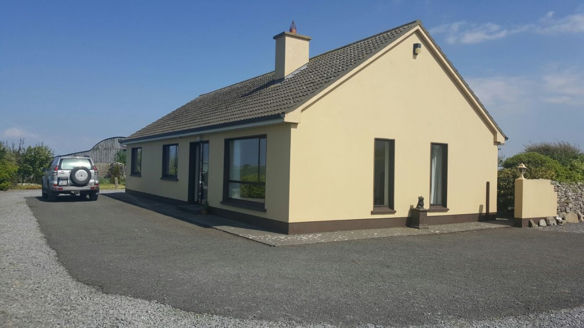 Photo of Bungalow on elevated site...superb views.