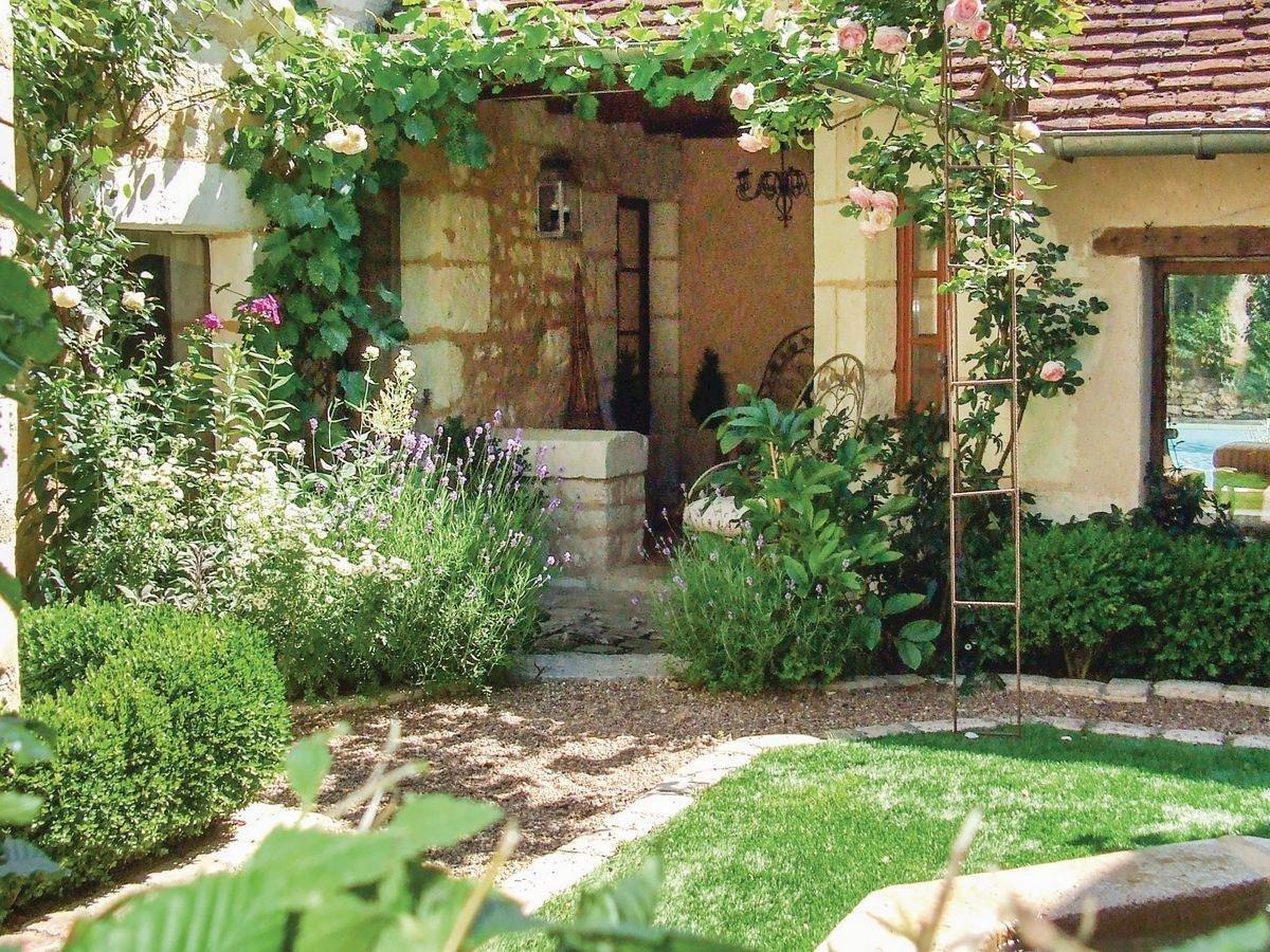 Gîte Du Jardin Fleuri in St-Aignan - Selfcater.com