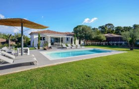 Photo of Villa di Calvi Sunday