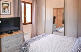 Photo of Holiday home Meounes les Montrieux