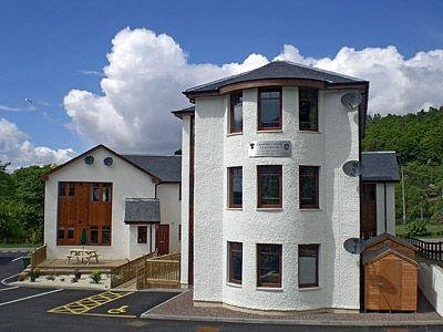Superb Self Catering Lock Keepers Apartment In Fort William Home Interior And Landscaping Ymoonbapapsignezvosmurscom
