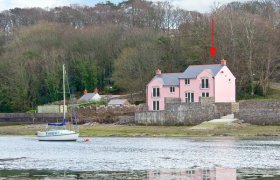Photo of Curlew Beach Cottage